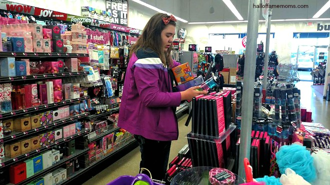 Teen shopping-spree at Five Below #ad #shop5b