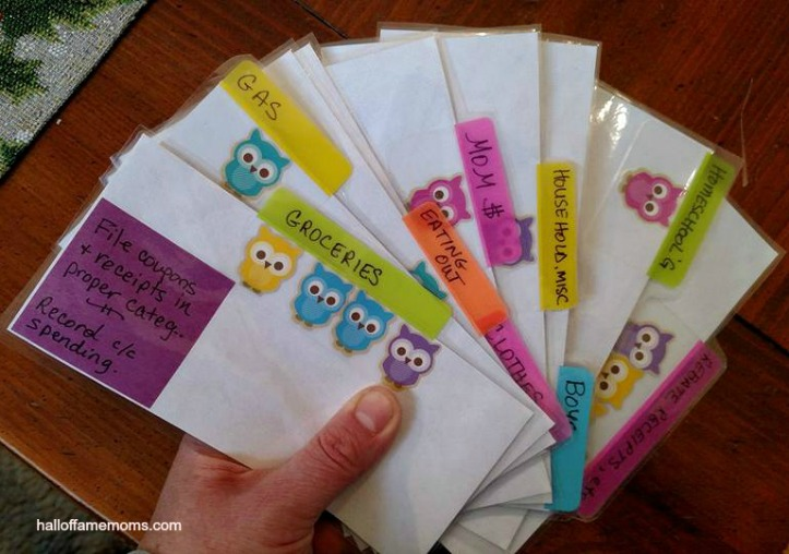 How I make Laminated Wallet File Dividers to Organize Coupons & Receipts