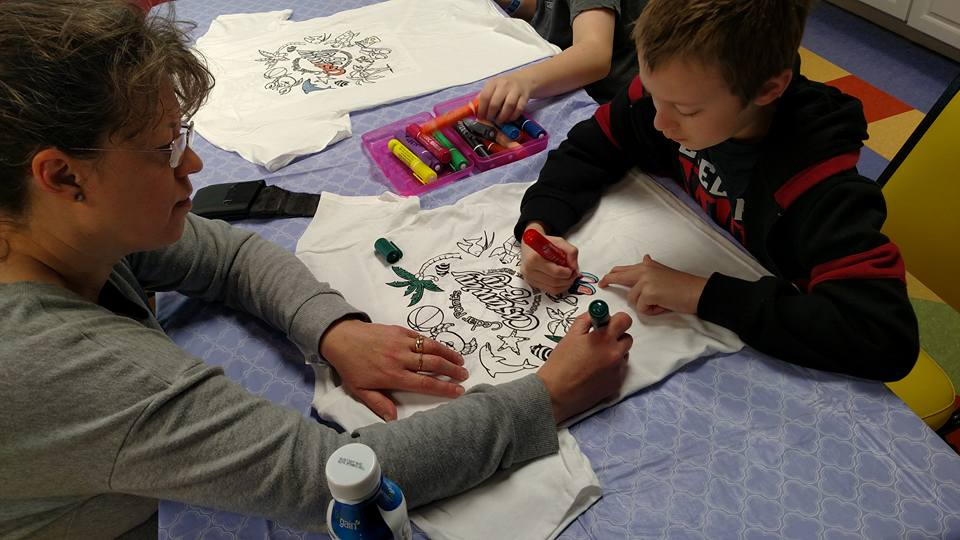 Coloring a tshirt at Castaway Bay in Ohio.