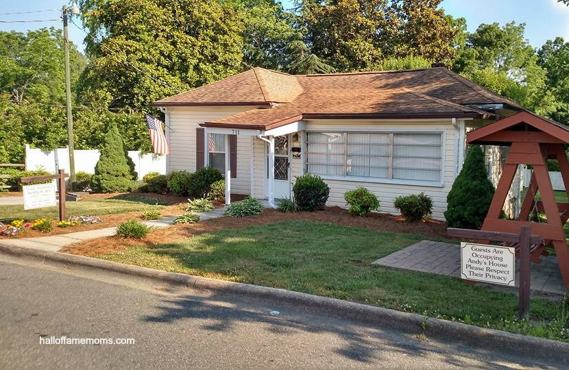 Andy Griffith's Home & Mayberry Days (Pictures)