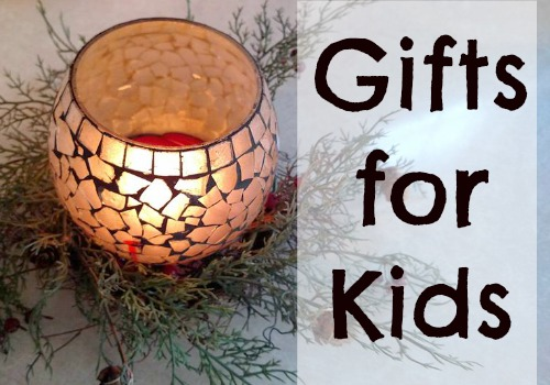 Don't miss this Gift Guide for Kids (gifts for children)!