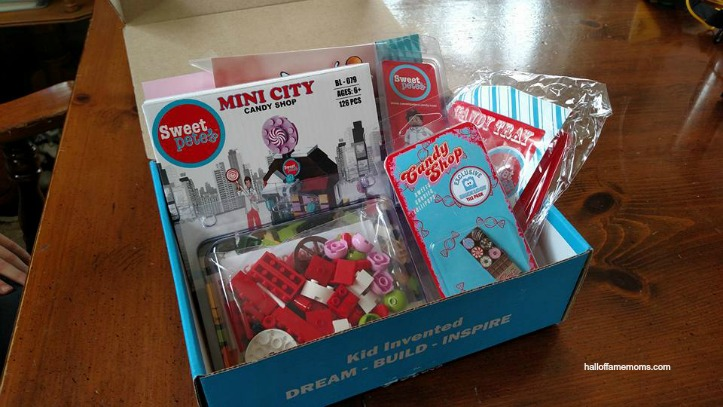 See Inside a BRICKLOOT Subscription Box – Holiday Gift Guide